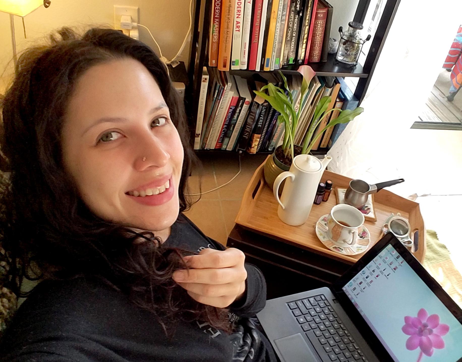 blog selfie laptop
