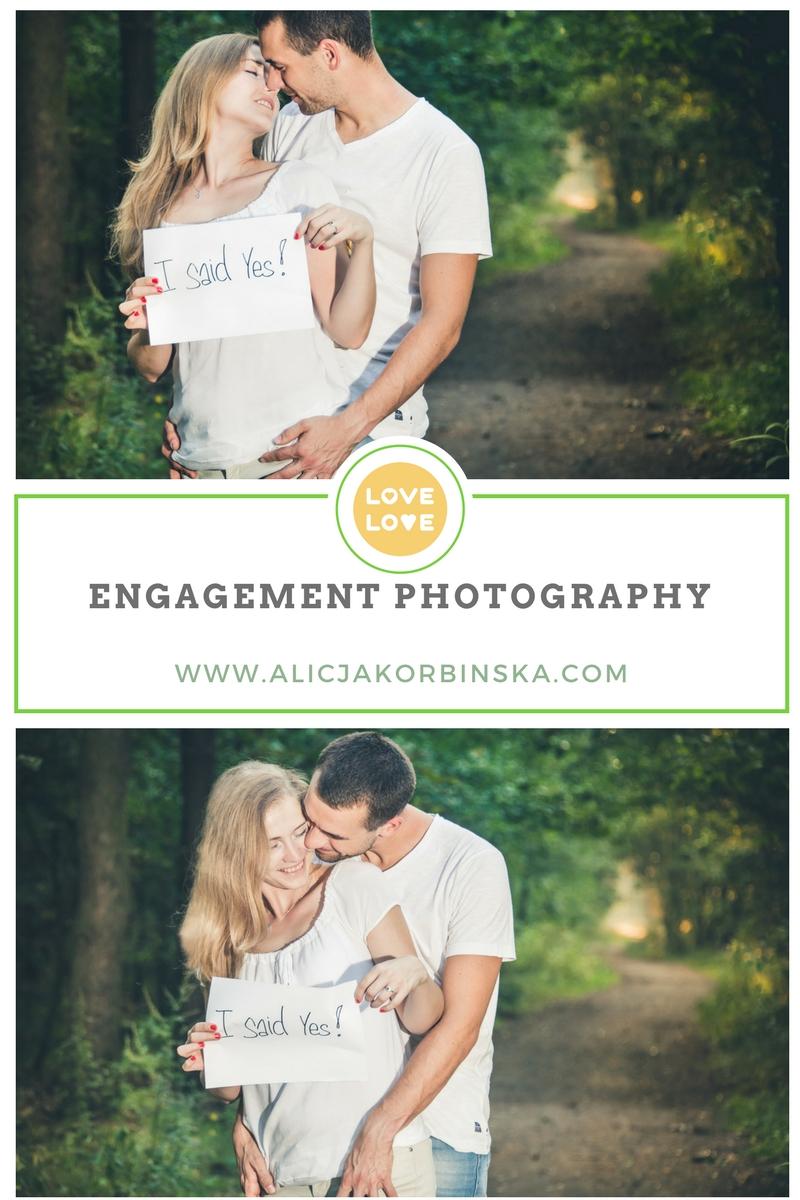 kissing-engagement-photo