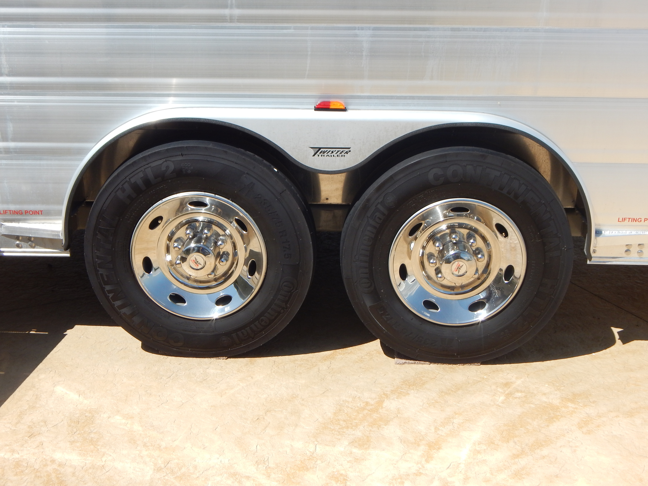 "17.5"" Steel Rims w/ SSTL Simulators<a href=""/area-of-your-site"">→</a><strong></strong>"