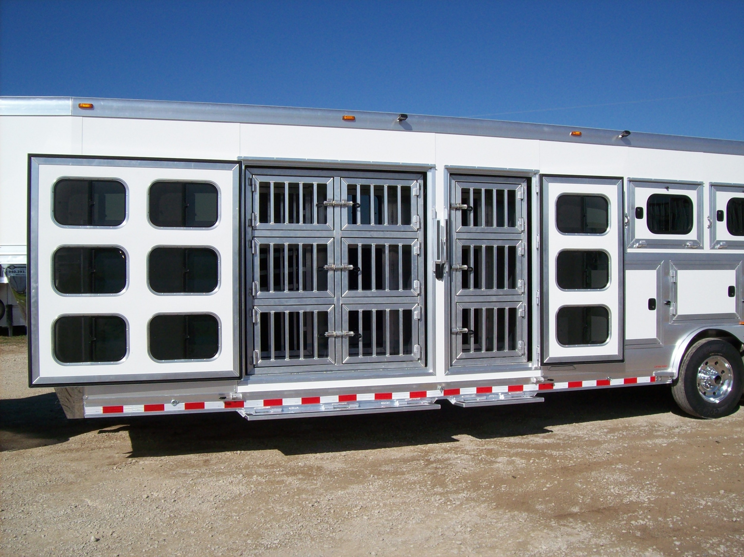 """Dog Kennels<a href=""""/area-of-your-site"""">→</a><strong></strong>"""