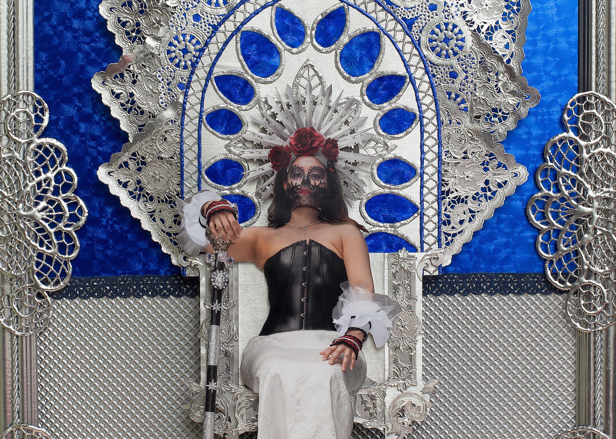 Mandorla Throne Closeup.jpg