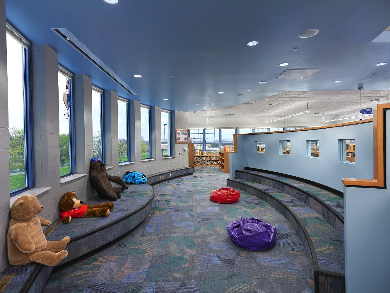 (7)Interior - Lounge Play Area.jpg