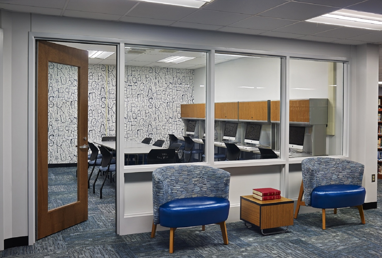 Interior - Meeting Room Enterance.jpg