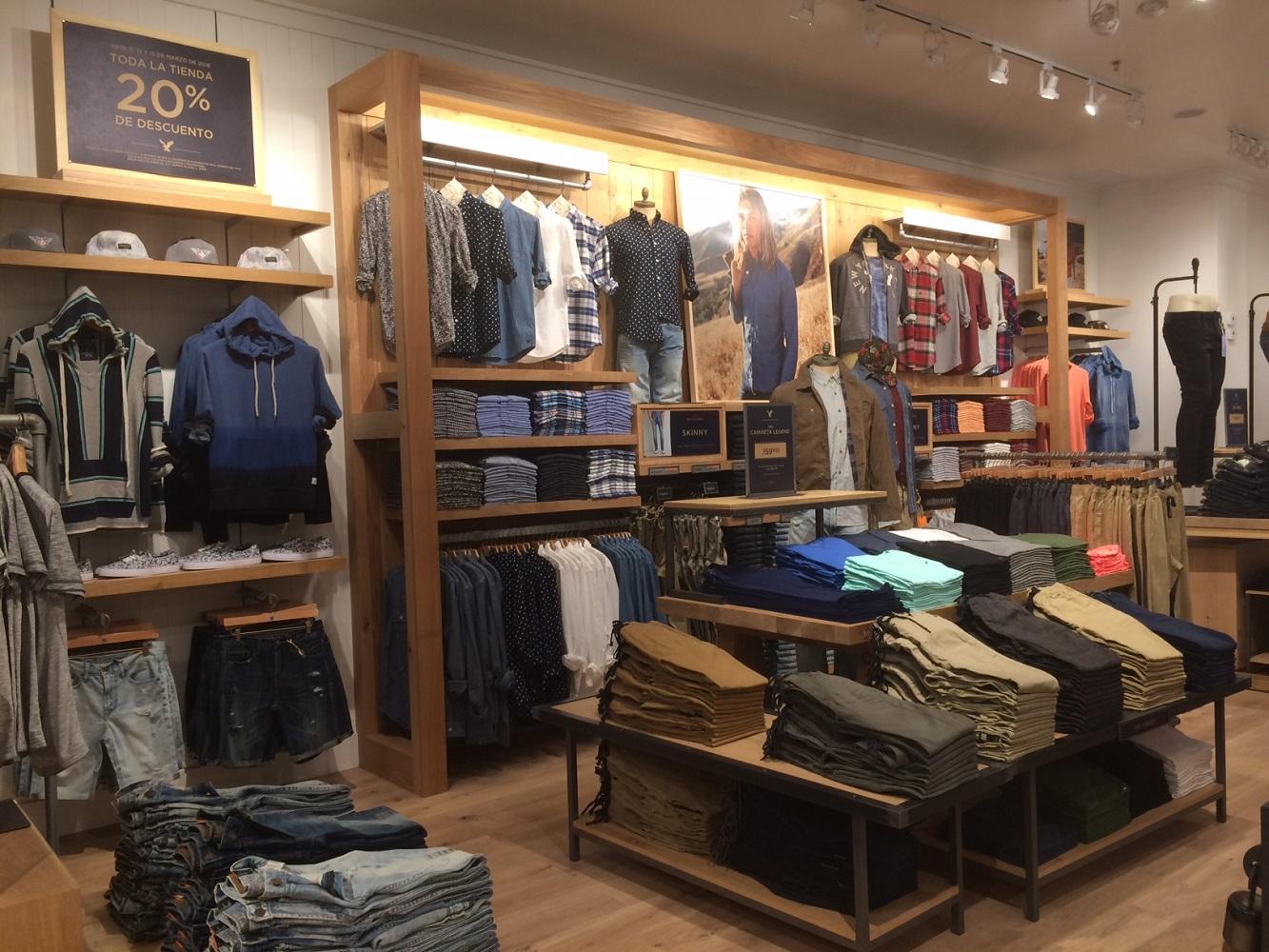 Interior - Clothes Shelves 2.jpg