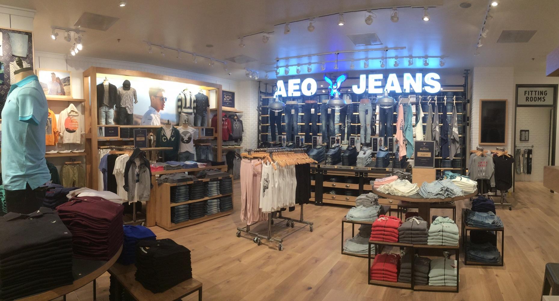 Interior - Clothes Shelves 3.jpg
