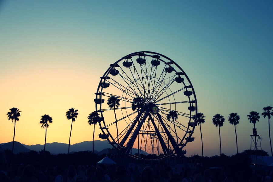 Coachella_Sunset_2010_by_cuzinmank.jpg