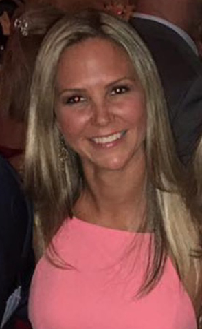 Sarah Growitz- owner/bronzing specialist.  Sarah lives in Newburyport MA and and the services the greater Newburyport area.