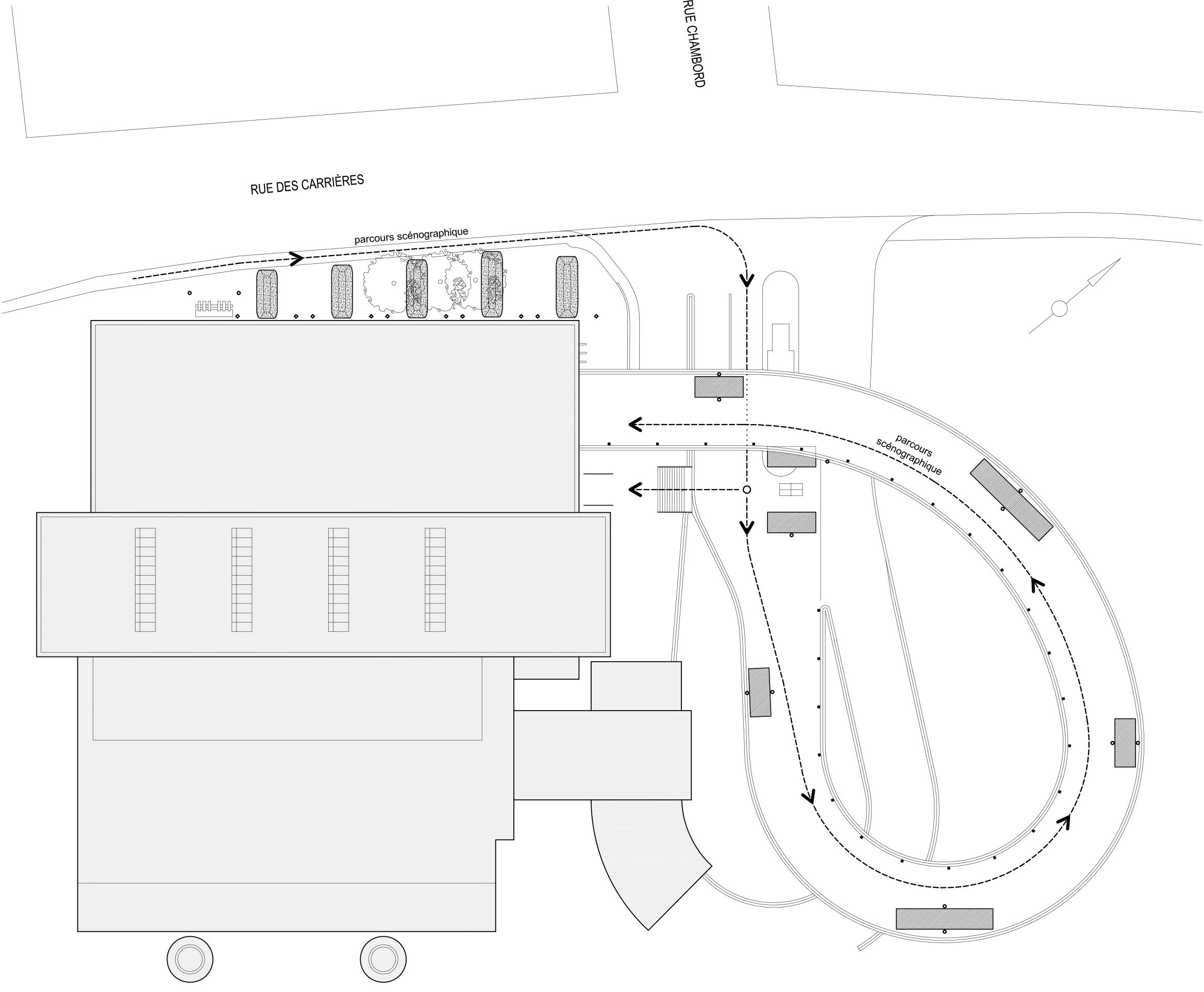 Plan d'implantation des œuvres de l'événement. Des conteneurs sont déposés sur la rampe menant de la rue au quai de déchargement.