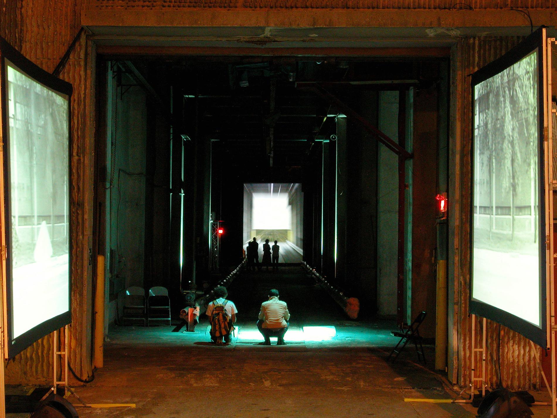 Œuvre d'Isabelle Hayeur dans le tunnel de la sortie des sédiments. Crédit photo © Marc Gibert