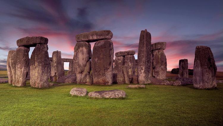 AdobeStock_97366339+stonehenge+lres.jpg