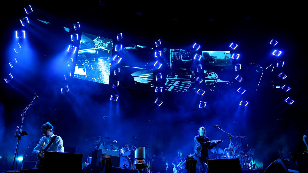 Radiohead at Lollapalooza 2016. Image via  Chicago Tribune .