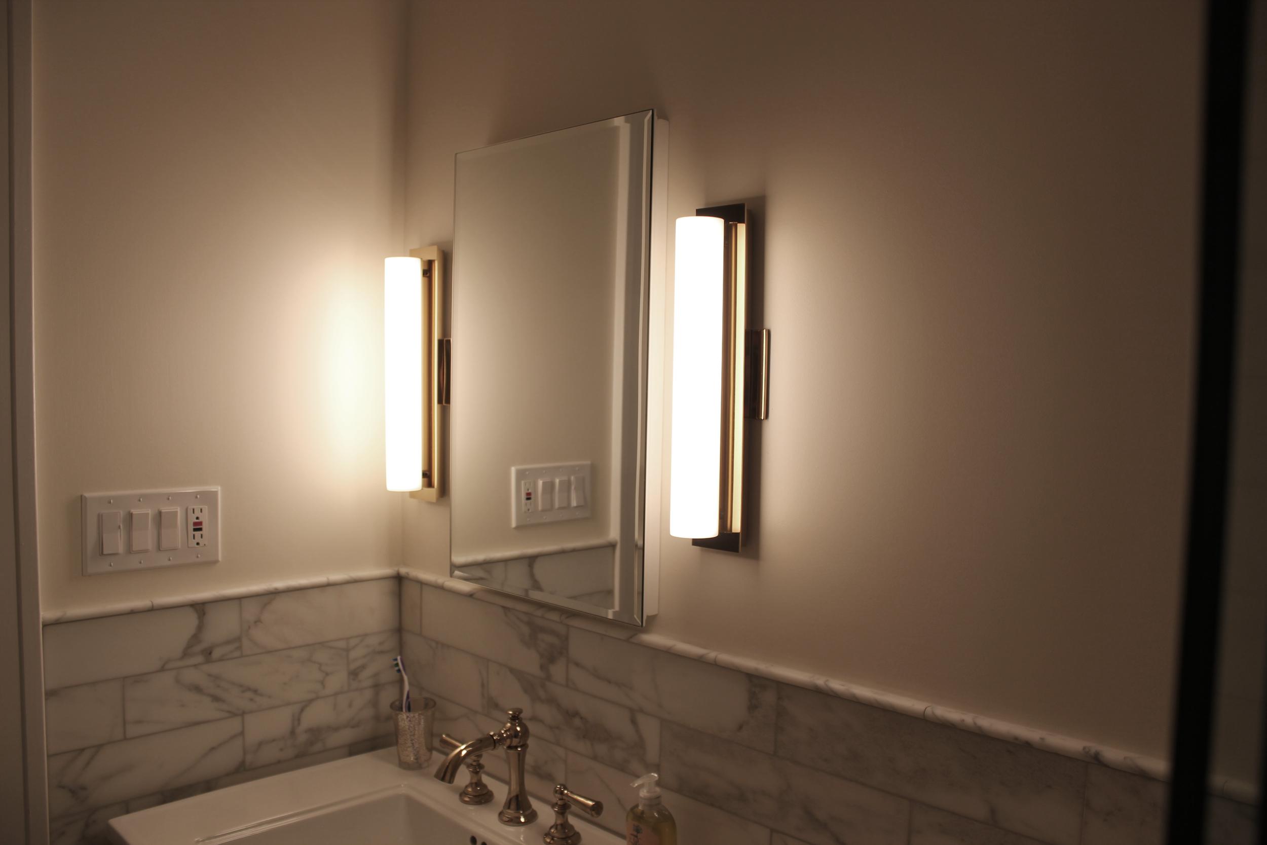 bathroomlight.png