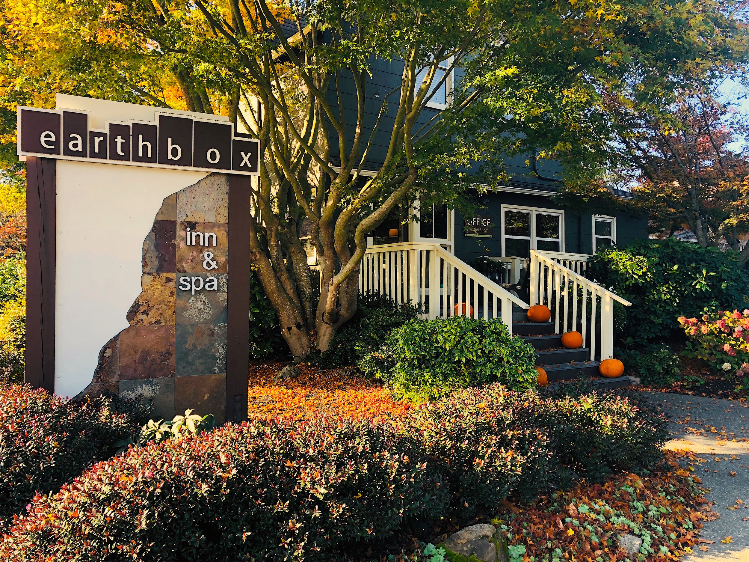 The Earthbox Inn & Spa is the only hotel on San Juan Island with an indoor heated pool