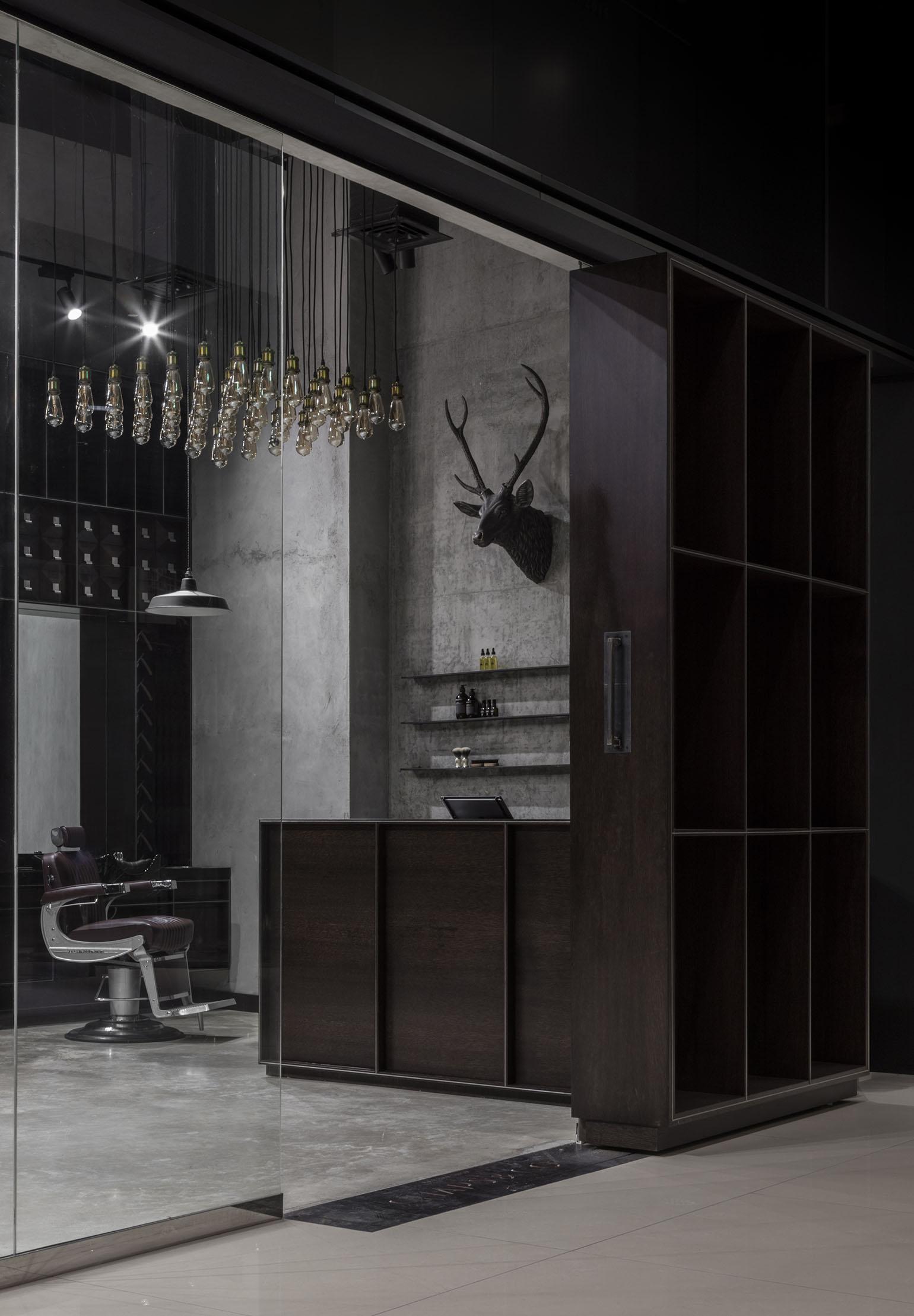 Chaps & Co-Marina-Dubai-Barbershop-Large-Sliding-Door-Reception-Lighting-Interior-Architect.jpg