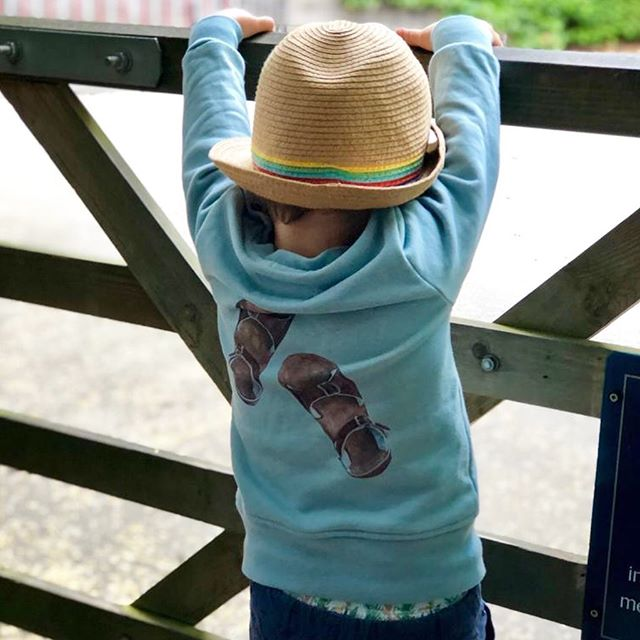 We still have a few ex display 🦀 sweaters available in sizes 4-5 and 5-6yr... modelled here by gorgeous Freddie. They are £15 (+p&p). Please email us at hello@stayandbird.com if you'd like one. These are the very last few! 🍄&🐞xx
