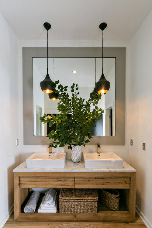 Mister and Mrs Sharp Modern House Bathroom 03.jpg