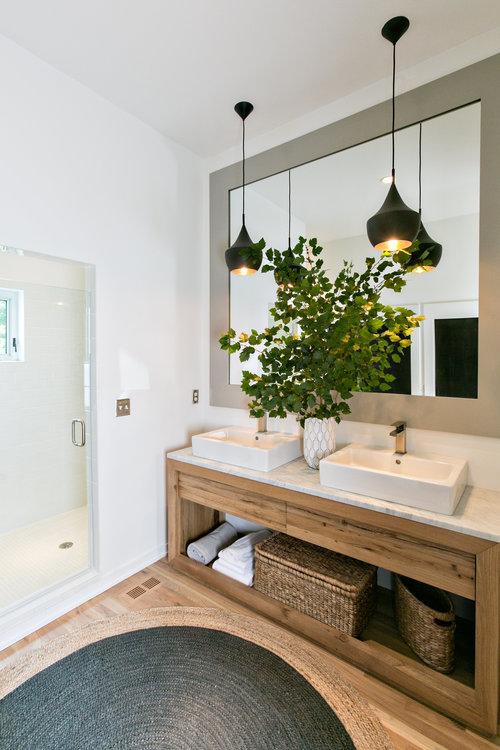 Mister and Mrs Sharp Modern House Bathroom 02.jpg