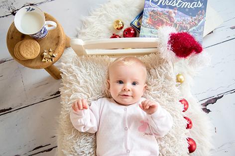 baby photo xmas mini session cambridge ely