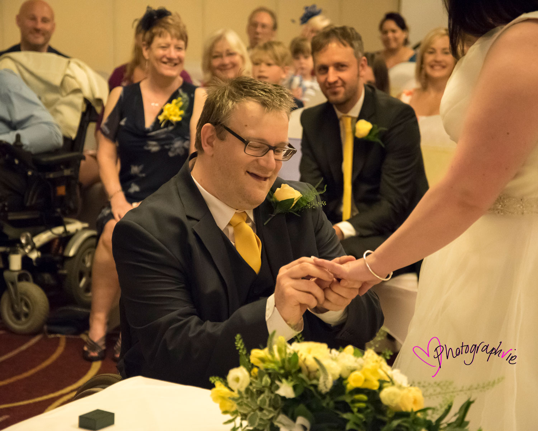 Wedding_photography_Ely_Cambridgeshire_east_anglia_marriot_hotel_huntingdon (1).jpg