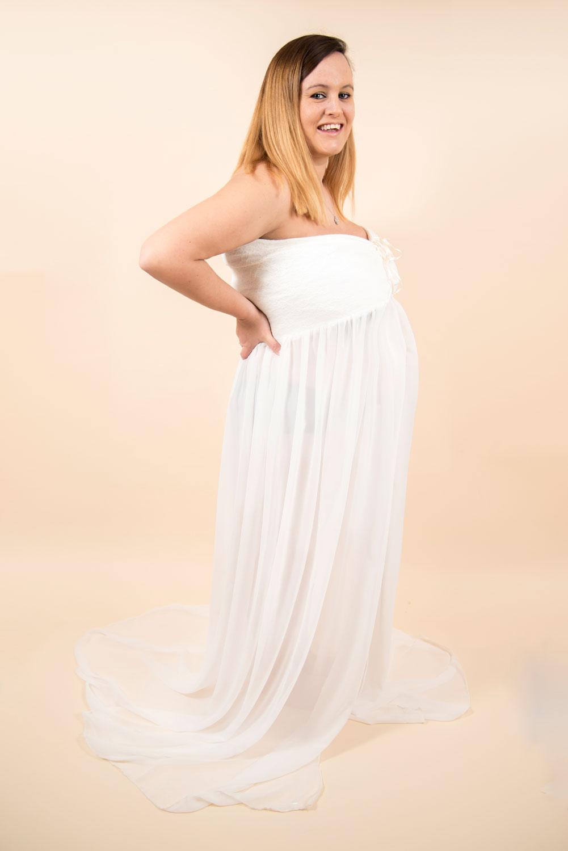 Maternity_photography_Ely_Cambridgeshire-henna-bump (2).jpg