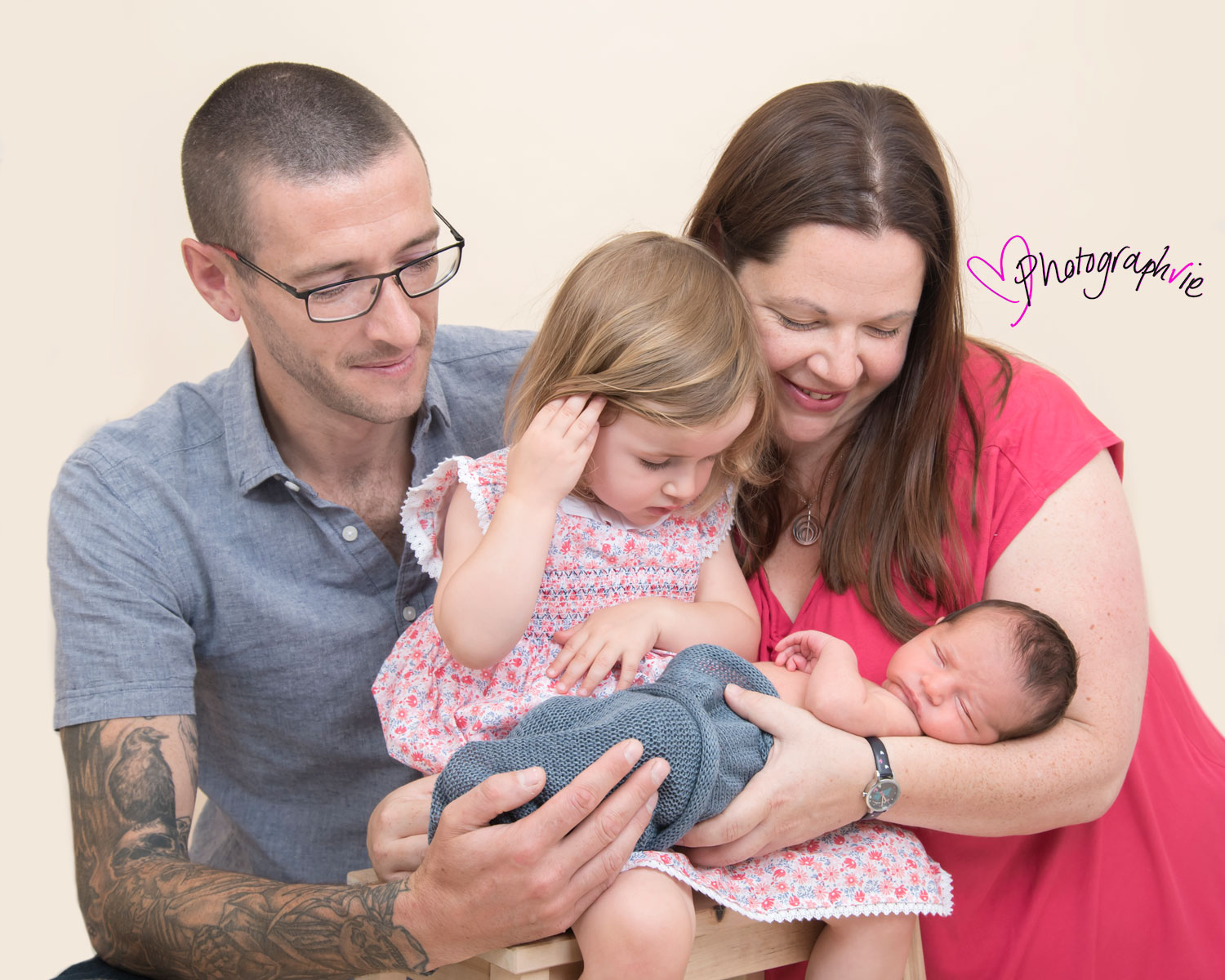 Newborn_Baby_photography_Ely_Cambridgeshire-baby-finley-family-photo.jpg