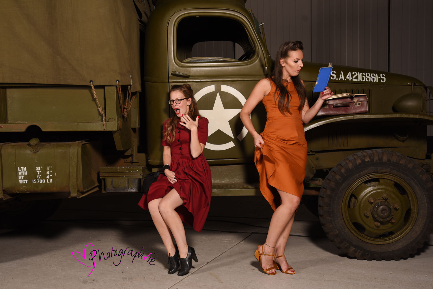 Imperial-War-Museum-House-of-Cambridge-Event-40s-Dressing-Up-Pin-up-Photobooth-and-Photos-by-Photographvie-Ely--(18).jpg