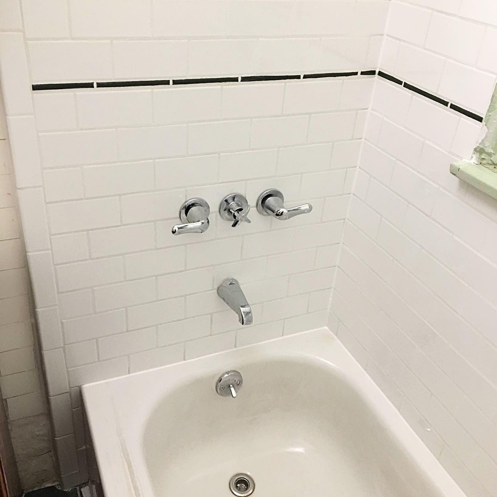 Bathtub surround tiling renovation, Brooklyn, NY