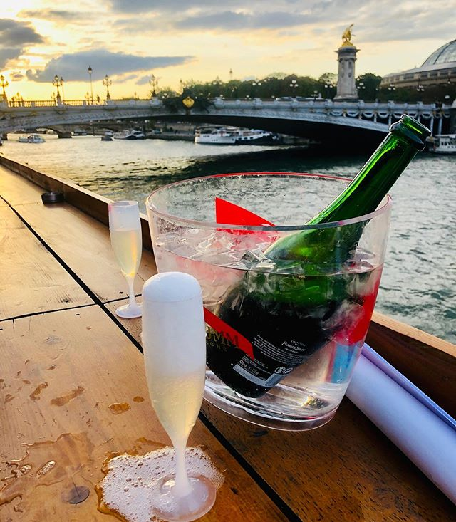 When one can, drink Champagne with a view. @perrierjouet_ . . . . #champagne #champagneweekend #santé #summer wines #rethinkwine #wine #champagne #paristours #winetasting #bonneboucheevent #champagneflowing #foodandwinetours #foodandwinetravel #thebonnebouche #wineetbeauté #paristours #wineaficionado #instafrance #instaparis #instatravel #instagood #instadessert #instawine #instawines #wineaficionado  #wineexpert #wine #winegirl #france #instadesserts #frenchdesserts  #perrierjouet #wineaficionado #frenchwinescholarguild
