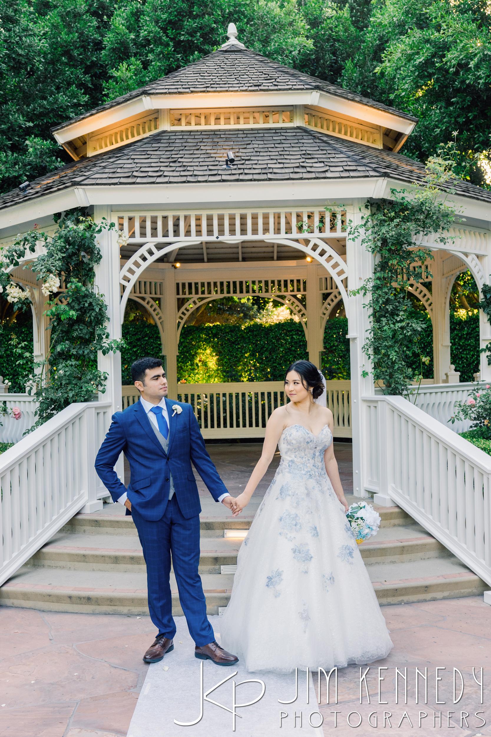 Disney-Rose-Court-Garden-Wedding_0110.JPG