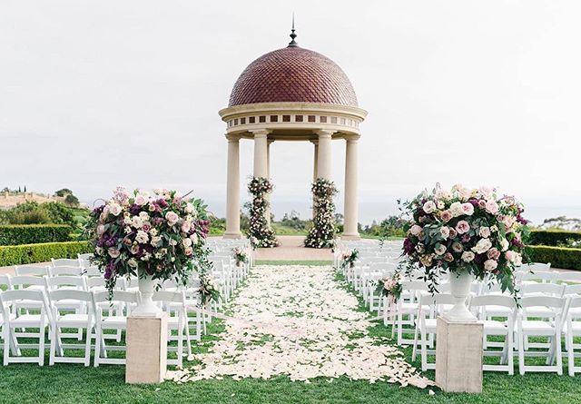 #Repost @radiancebyrayce ・・・ We love a seaside ceremony at @pelicanhillresort || Planning/Coordination: @kelseyevents | Photography: @jimkennedyphotographers | Floral Design: @flowersbycina | Rentals: @sigpartyrentals | Lighting: @ambereventprod