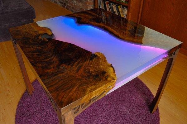 HDR-LED-Table-02-600x398.jpg