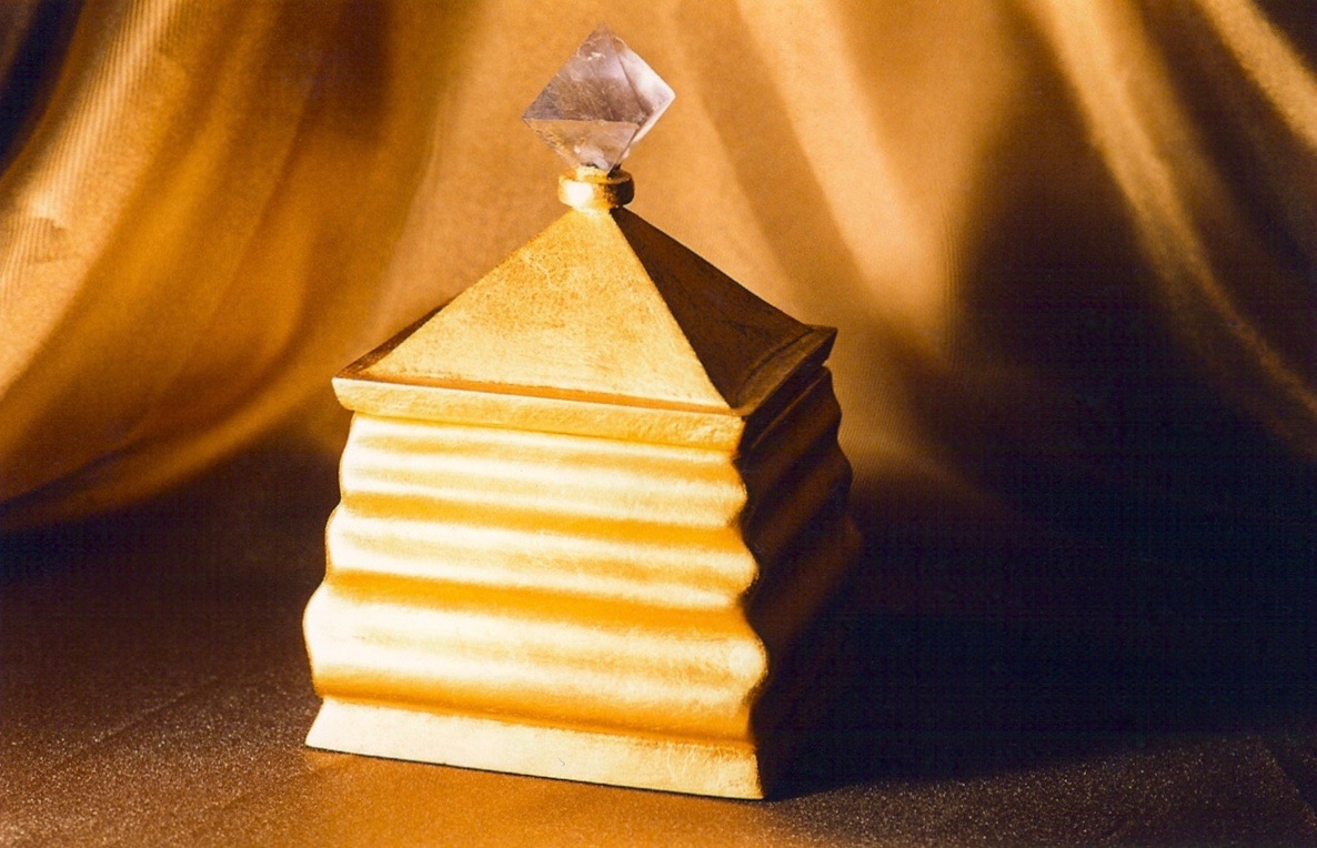 Coffin & King - Gilded Ripple Box, crystal finial, cast stone, 23 kt. gold leaf, 1990s