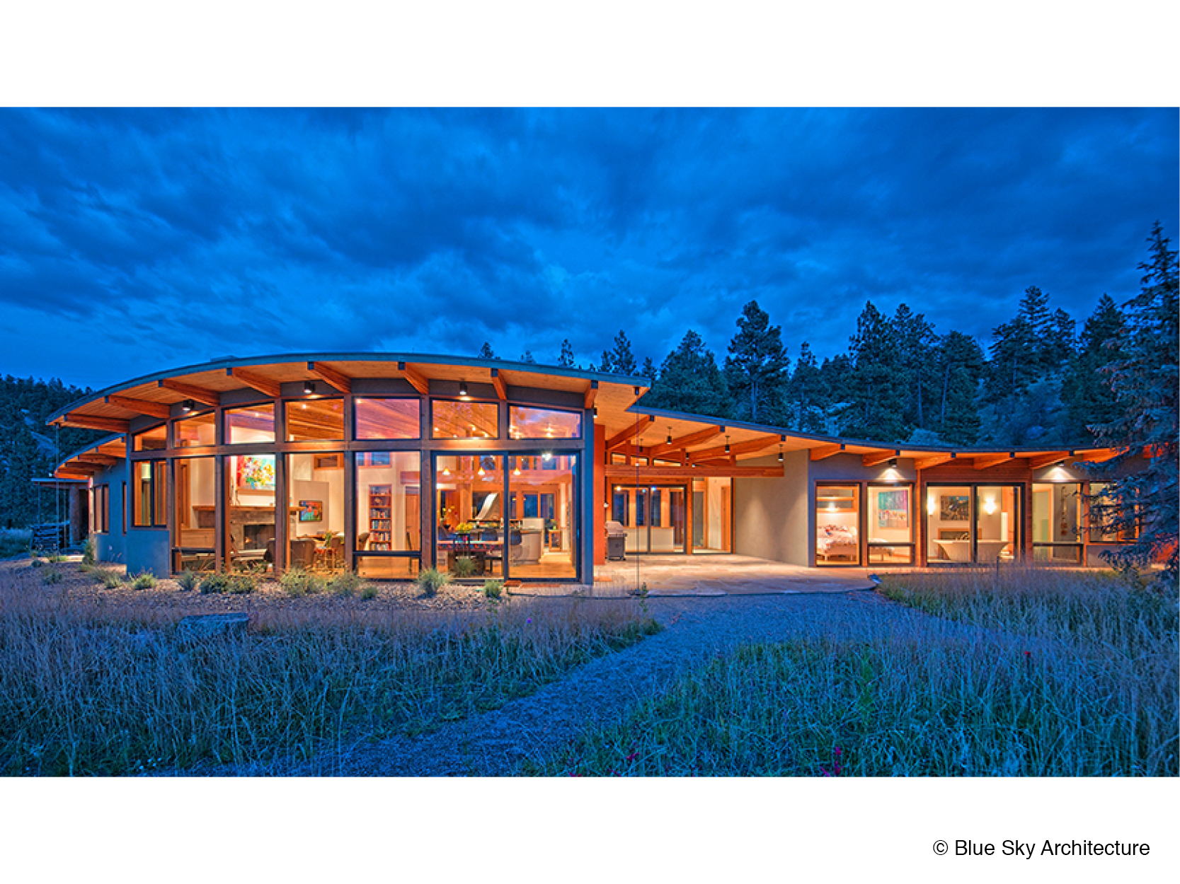 Lakefront heavy timber architecture for a residence