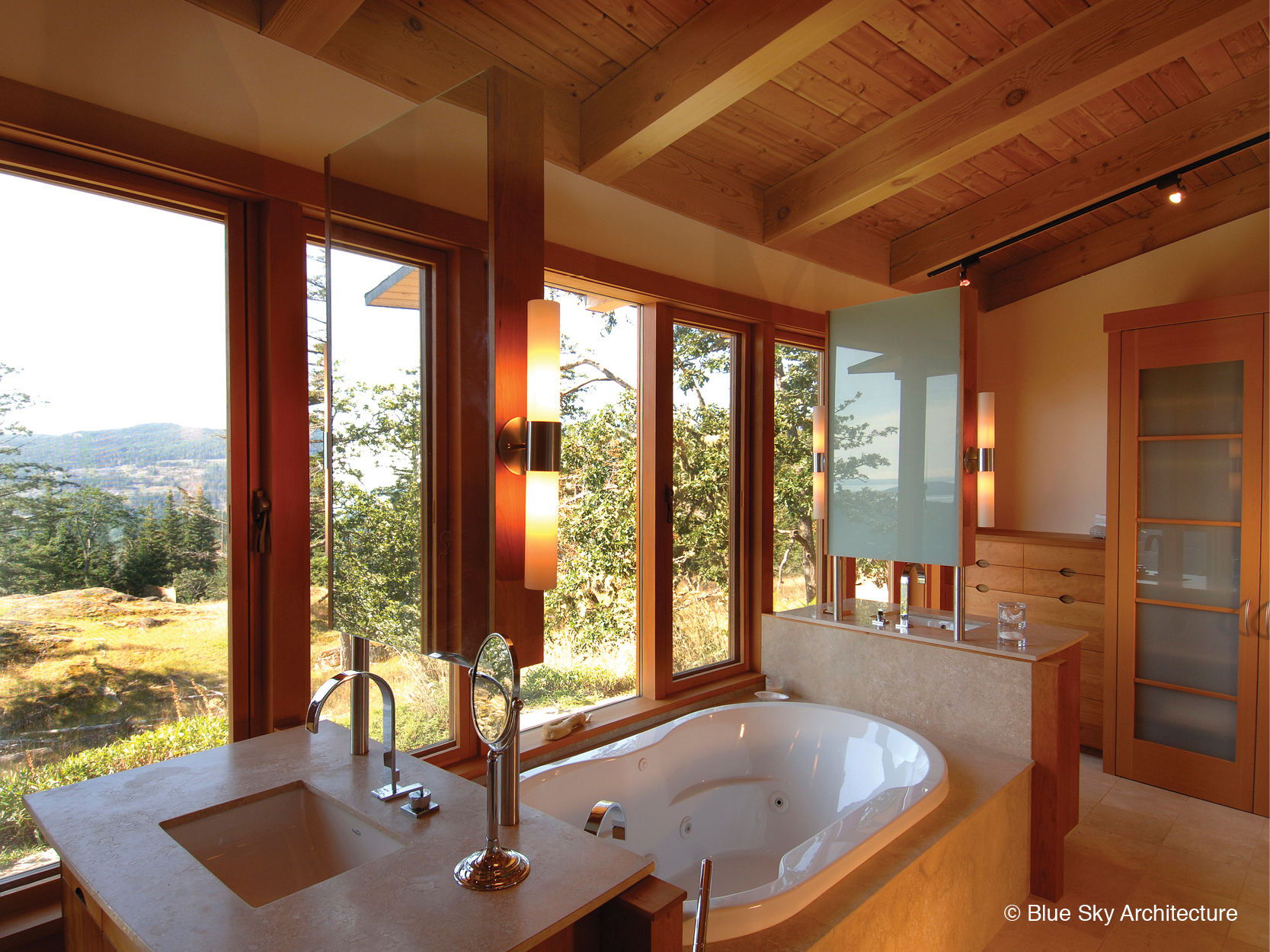 Oak Grove House deep tub in master bath