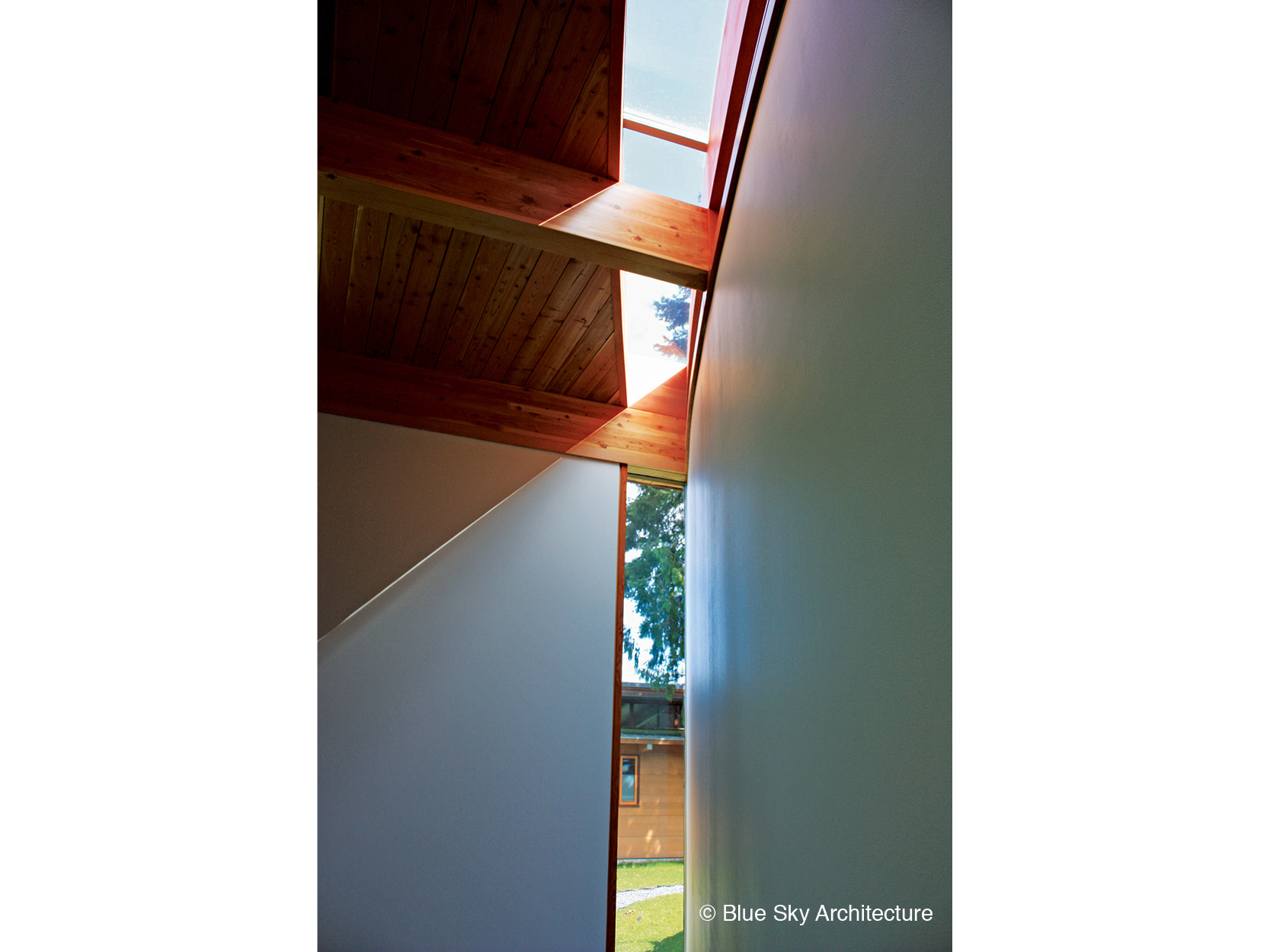 Miracle Beach house natural skylight