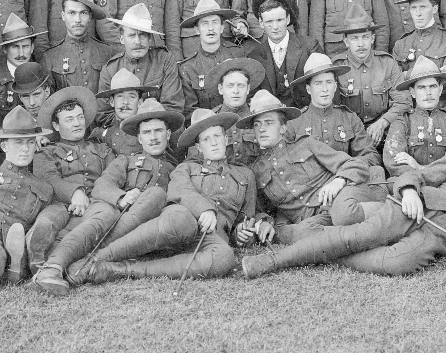 "A close up of the 2nd Canadian Mounted Rifles, showing the ""herringbone"" wrap method... Photo courtesy of the  Vancouver Archives ."