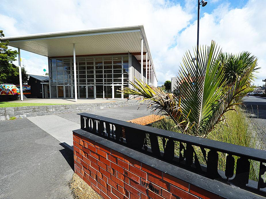New Lynn Community Centre Exterior 2 925x694.jpg