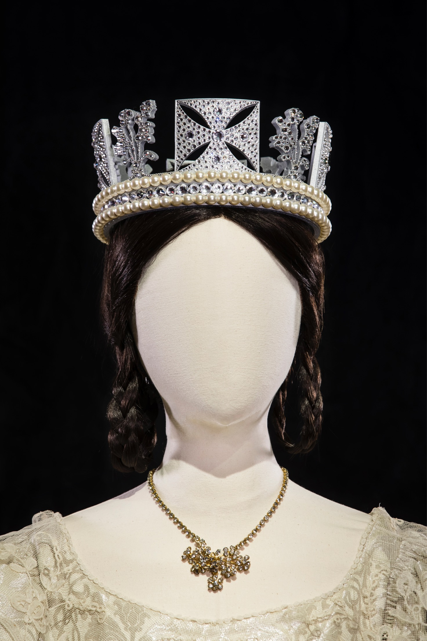 """Diamond Diadem Recreation by Tina Gancev - Exhibited during """"Cinematic Couture"""" exhibition at SCAD FASH, Museum of Fashion and Film in Atlanta, GA."""