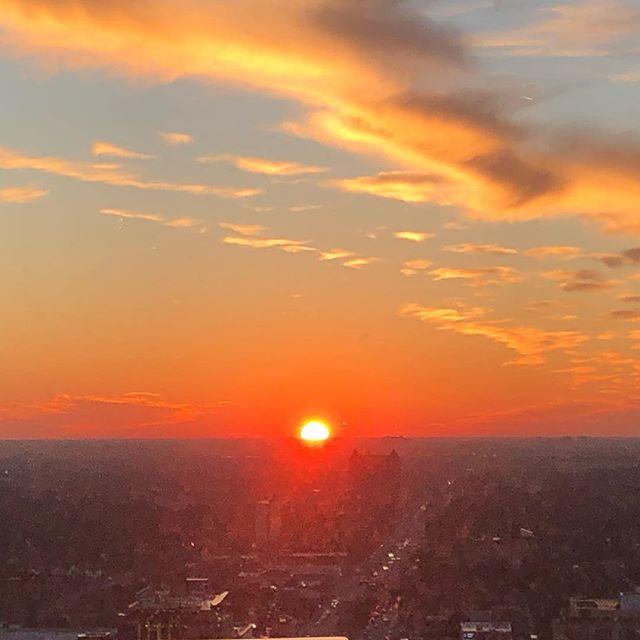 VDH loves a Friday sunset.  #viewfrom22 #fisherbuildingdetroit