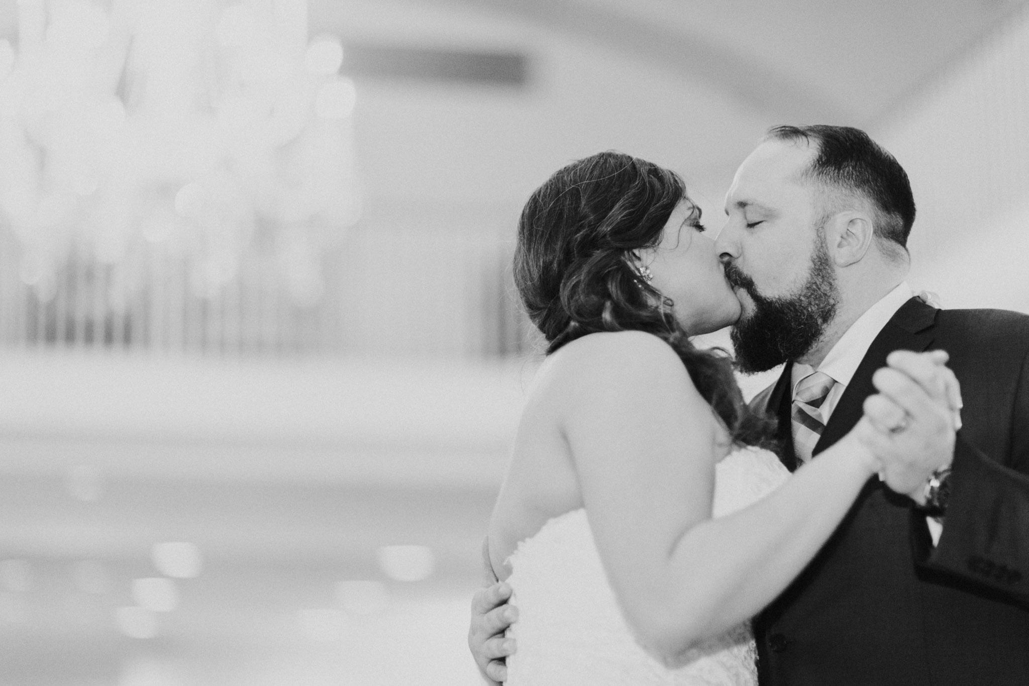 Country Club of Virginia Wedding Photographer_0111.jpg