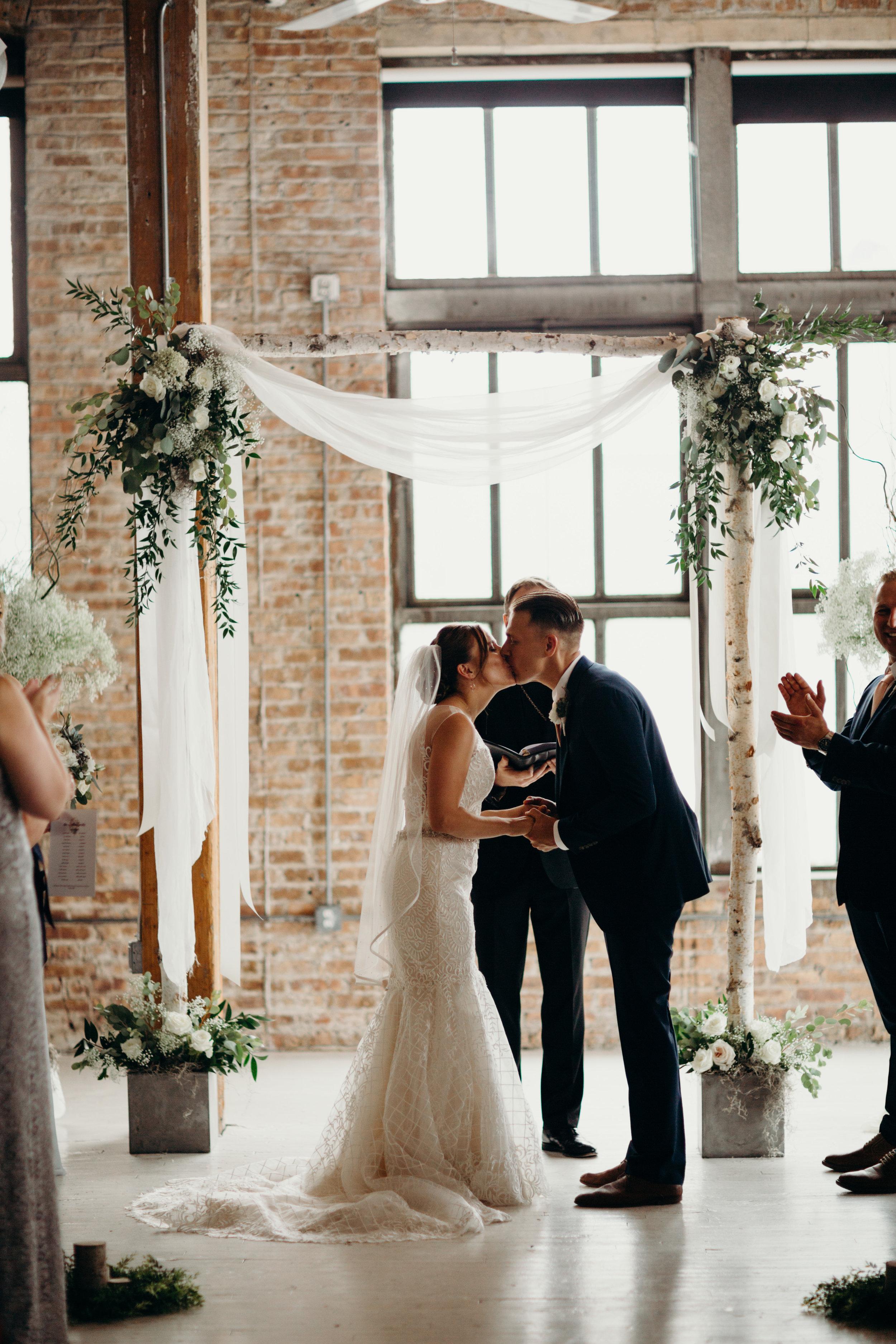 Vintage Wedding_Polly C Photography_20171726172052.jpg