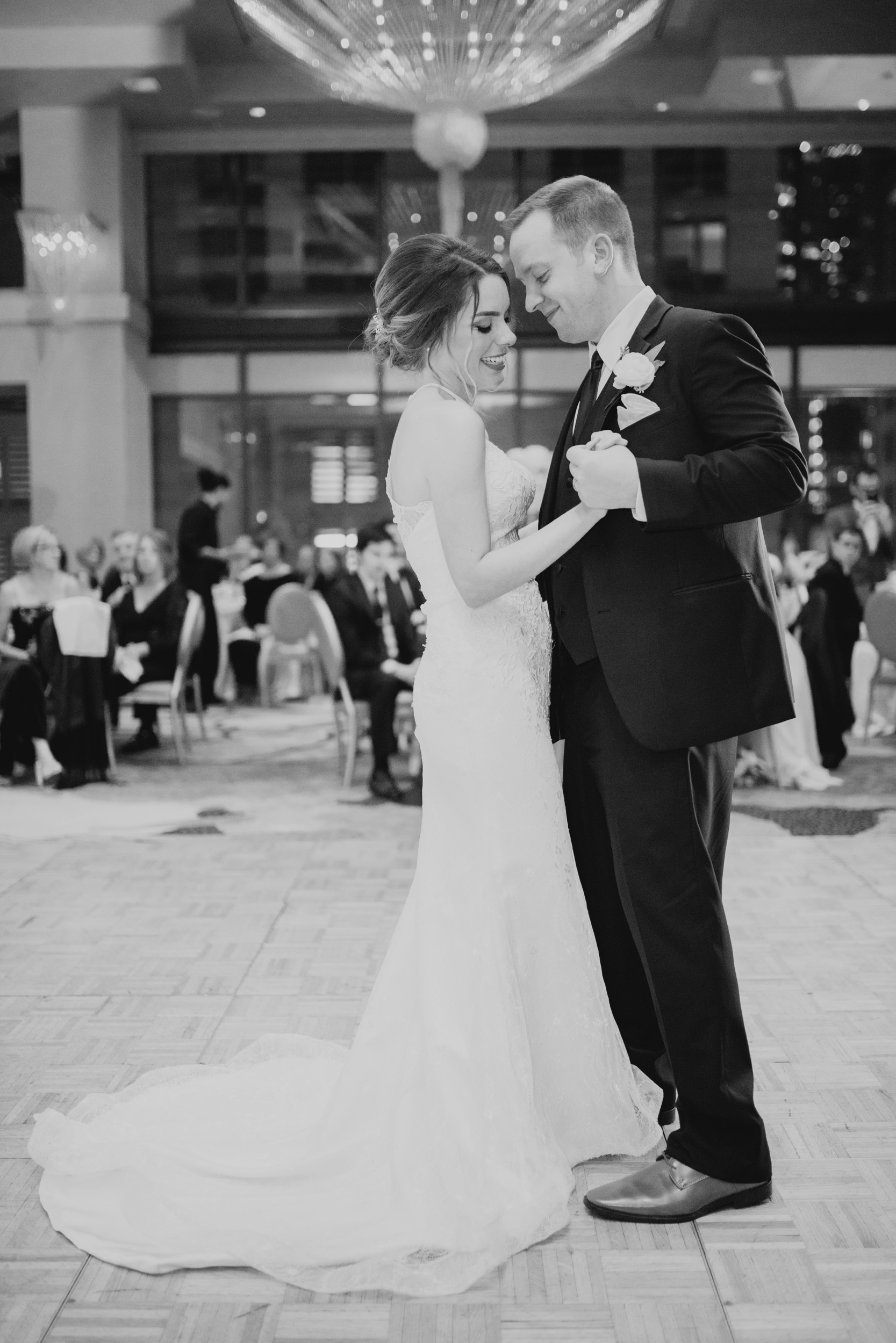 Downtown Chicago Wedding_Polly C Photography 1706211011.jpg
