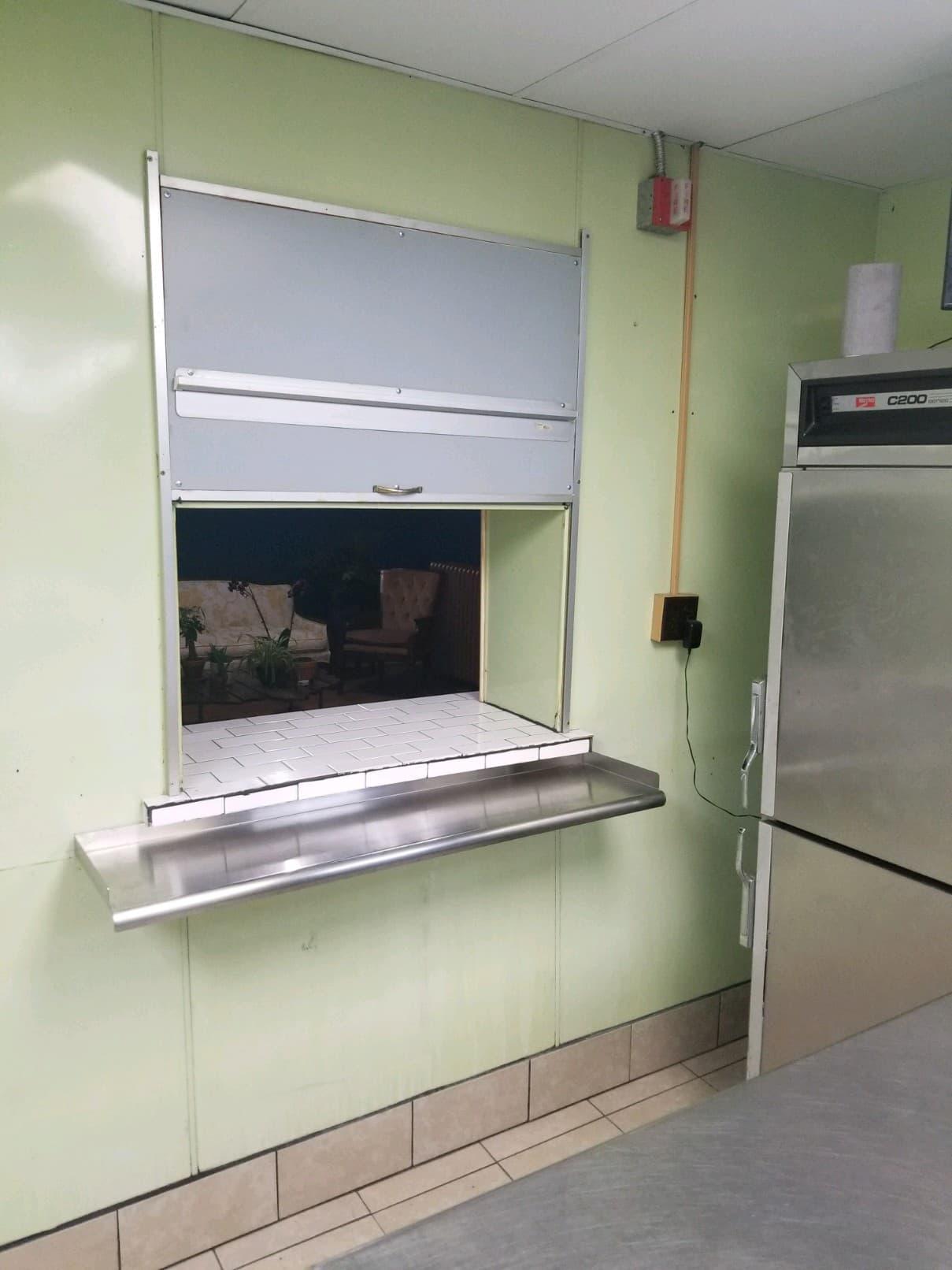 "Serve ""Galley"" & New Window"