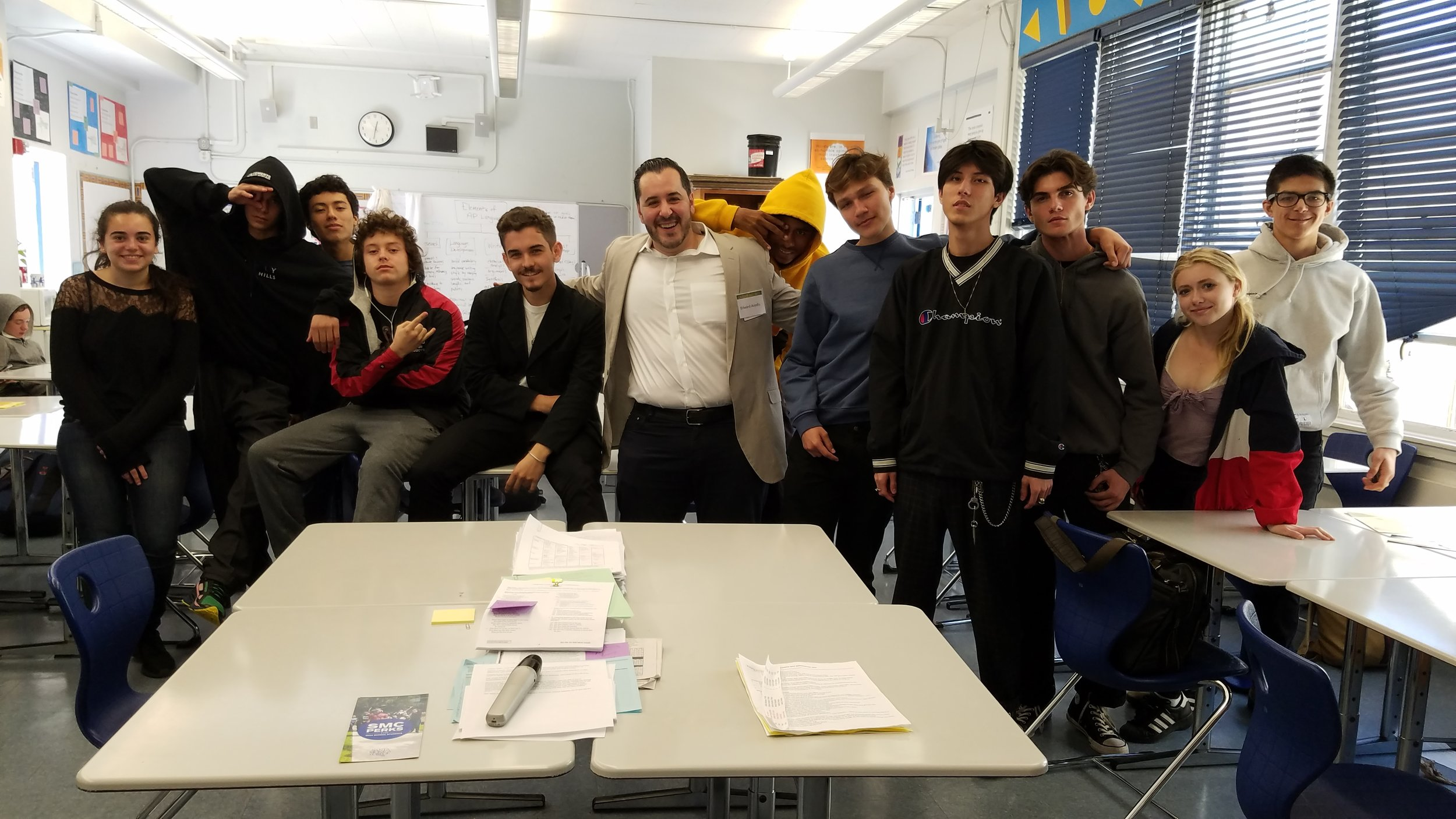 With a group of awesome kids at the SAMOHI Career Day in March 2017 ! I had the pleasure of sharing my story, and answering questions about entrepreneurship.