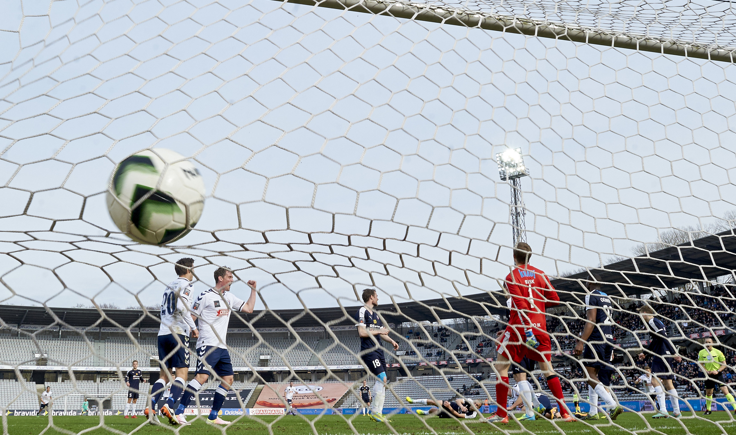 AGF har scoret på det stadion, som klubbens direktør drømmer om at komme væk fra. Foto: Lars Rønbøg/Getty Images