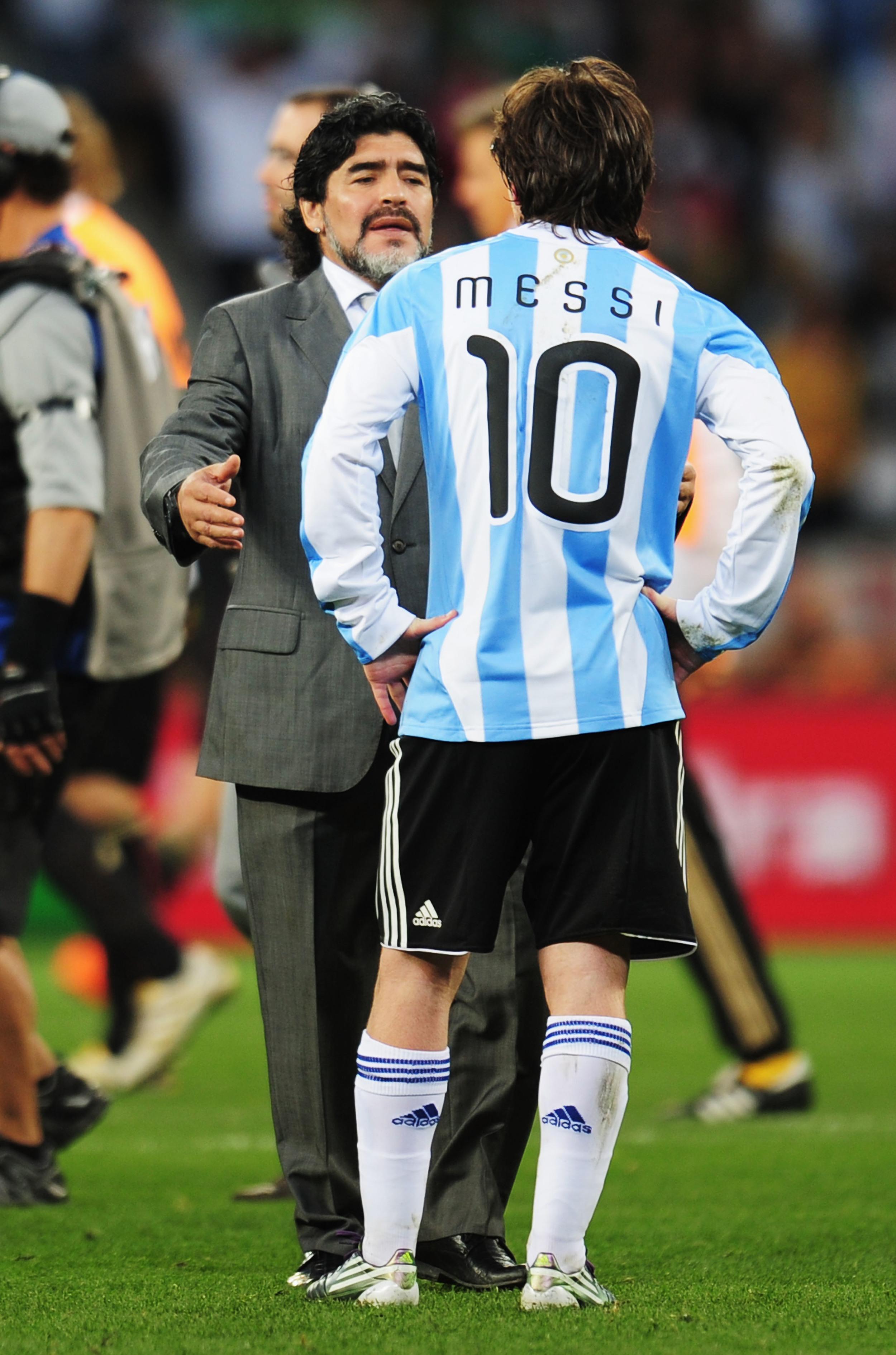VM 2010 var Diego Maradona træner for Argentina og for Lionel Messi. Foto: Getty Images/Shaun Botterill