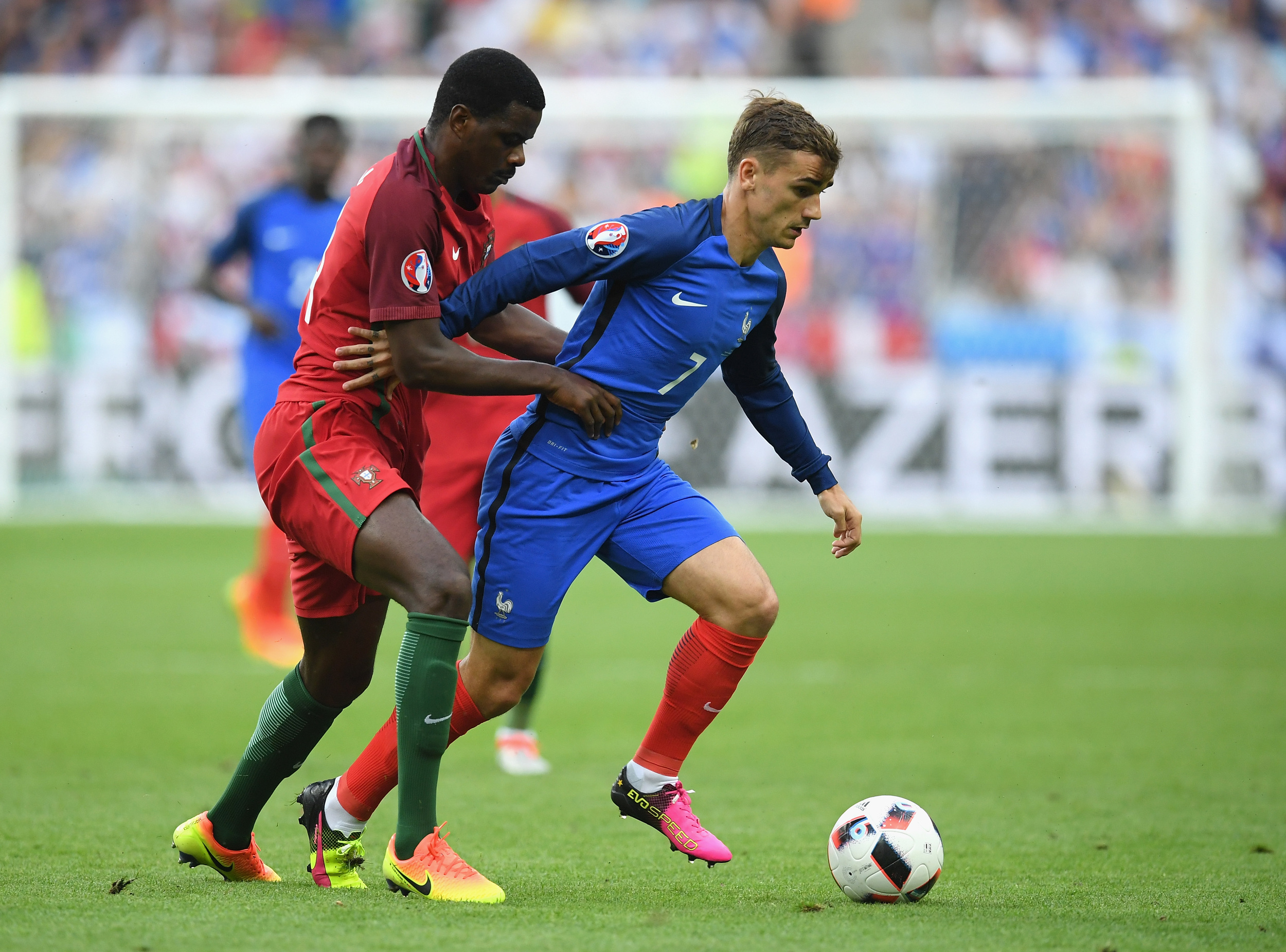 William Carvalho, hele tiden tæt på Antoine Griezmann i finalen. Foto: Getty Images/Matthias Hangst