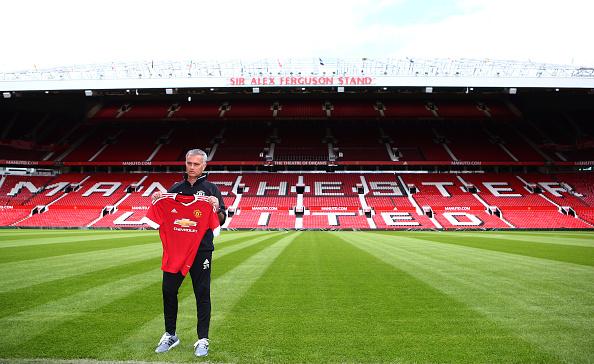 Mourinho ved præsentationen på Old Trafford. Foto: Getty Images/Dave Thompson.