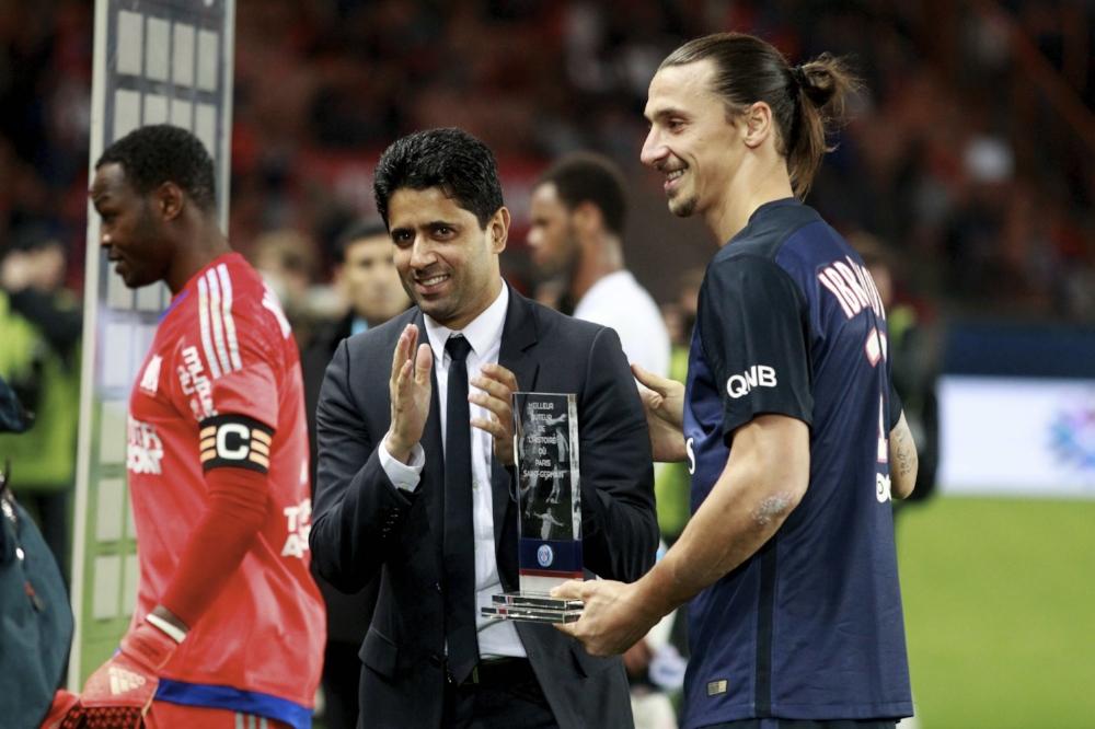 Nasser al-Khelaïfi, ejernes højre hånd, udstikker retningen for PSG. Her sammen med klubbens nu forhenværende stjerne Zlatan Ibrahimovic.   Foto: Getty Images