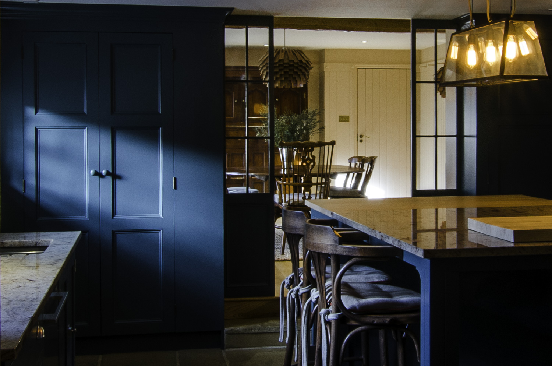 granite_farmhouse-kitchen-1500pw-500kb (1).jpg